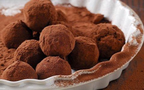 Σοκολατάκια με δαμάσκηνο και ξηρούς καρπούς